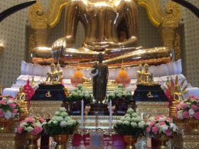 タイ,ヤワラート,バンコク,寺院,宗教施設,ワットトライミット,黄金仏寺院,観光,行き方,説明,住所,タクシー,Wat Trimit,The Golden Buddha Temple,วัดไตรมิตรวิทยารามวรวิหาร,中華街,服装,フアランポーン