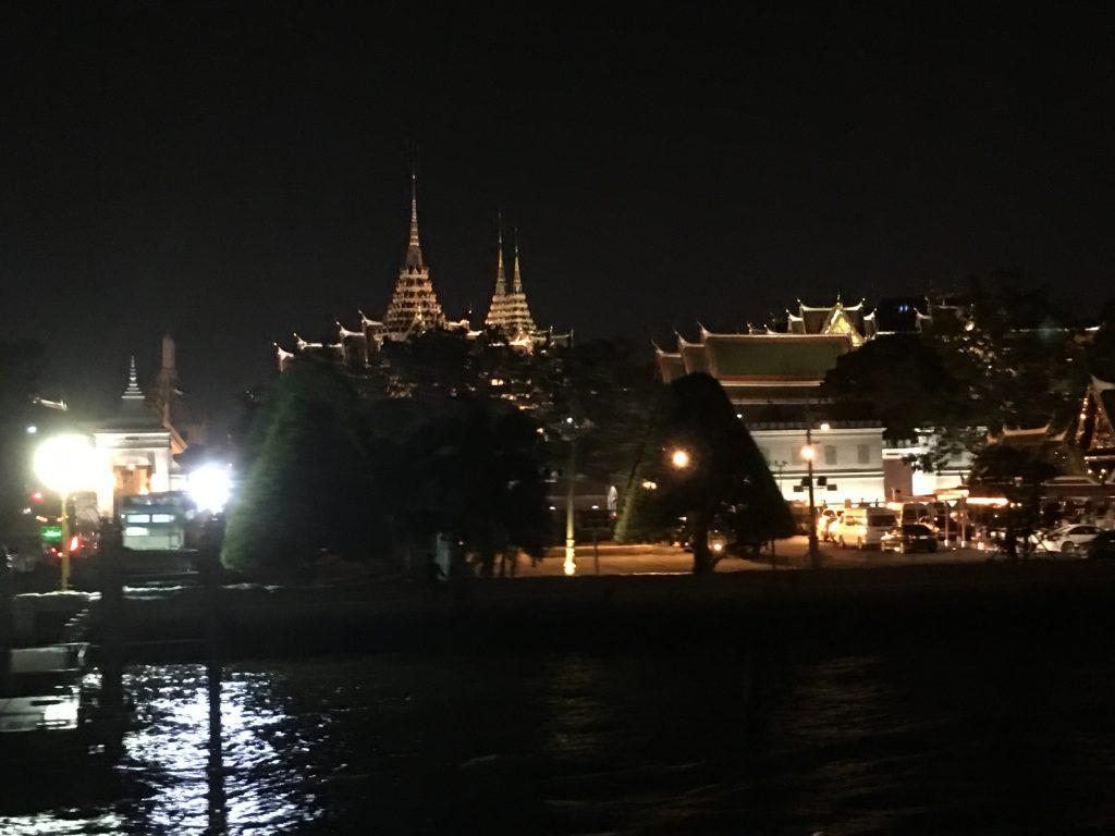 ディナークルーズ,タイ,バンコク,シャングリラホテル,ホライゾン,船旅,ビュッフェ,割引,特典