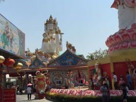 Wat Saman Rattanaram,ワット・サマン・ラタナラム,ワットサマン,ピンクガネーシャ,神様,パワースポット,関聖帝君,観音菩薩,ブラフマー,ゴールデンロック