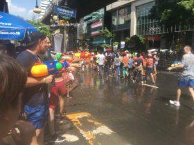 タイ,旅行,バンコク,ソンクラーン,シーロム,正月,水かけ祭り,無礼講,お祭り,ソンクラン,Songkran,2017年
